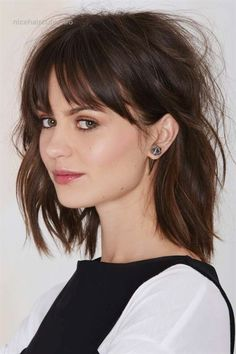 61 Best Lob Haircut with Bangs 2019 - Short Hair Styles Long Bob Haircut With Bangs, Bangs For Round Face, Long Bob Haircuts, Haircuts With Bangs, Short Bob Hairstyles, Cool Hairstyles, Haircut Medium, Round Faces, Female Hairstyles