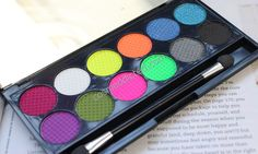 Sleek i-Divine Palette in Acid | Cosmeddicted Do you like neon eyeshadows?