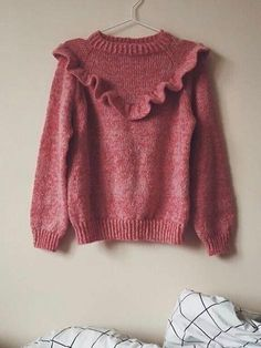 Mors flæsebluse fra A Nordic Knitting Tale, No 1 kit Knitwear Fashion, Knit Fashion, Knitting For Kids, Origami Rose, Clothing Items, Knitting Patterns, Knit Crochet, Style Me, Creative Crafts