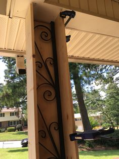 But around metal post on the patio instead Front Porch Makeover, House Front, Flipping Houses, House Exterior, Home Exterior Makeover, New Homes, Front Porch Columns, Exterior Remodel, Diy Front Porch