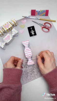 Diy Crafts Hacks, Diy Crafts For Gifts, Diy Home Crafts, Diy Crafts Videos, Crafts To Make, Diys, Paper Crafts Origami, Diy Origami, Birthday Frames