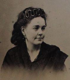 ANTIQUE TINTYPE PHOTO OF BEAUTIFUL YOUNG WOMAN WEARING LOVELY TIARA IN HER HAIR | eBay