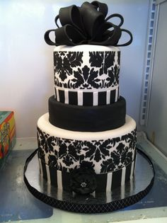 Black and gold cake | CAKES | Pinterest | Best Gold cake, Cake and ...