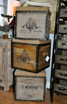 wine crate ottoman by LauraV Wooden Wine Crates, Vintage Crates, Crate Bookcase, Crate Shelves, Crate Crafts, Crate And Barrel, Interior Design Living Room, Decoration, Home Crafts