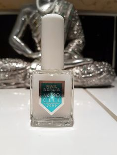 Anleitung für feste, kräftige und lange Nägel - in einfachen Schritten zu schönen Nägeln!  http://www.mihaela-testfamily.de  #kräftigeNägel #langeNägel #Trenditup #TiU #Microcell #Essie #essieGelSetter #Essie #TopCoat #Beautyblog #strongNails #festeNägel