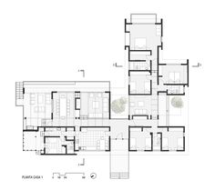 Galería de Dos Casas en Lago Ranco / Cavagnaro Rojo Arquitectos - 17 Layouts Casa, House Layouts, Modern House Plans, House Floor Plans, Single Storey House Plans, Load Bearing Wall, Flat Roof, House Front, Luxury Living