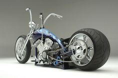 Custom Choppers, Custom Harleys, Custom Motorcycles, Custom Bikes, Badass Motorcycle Helmets, Futuristic Motorcycle, Chopper Motorcycle, Bobber Chopper, Bobber Bikes