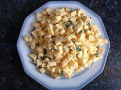 Das perfekte Schneller Eierstich-Rezept mit Bild und einfacher Schritt-für-Schritt-Anleitung: Petersilie feinhacken. Eier und Milch verquirlen und mit Salz…