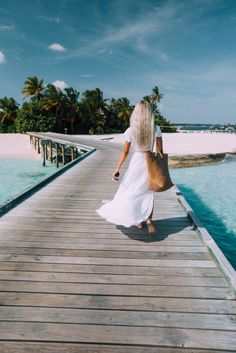 Bloggers Guide: What To Pack On Spring and Summer Vacation! - MyLifeAsEva