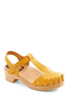 Blogger Meet-Up Heel in Yellow by Swedish Hasbeens