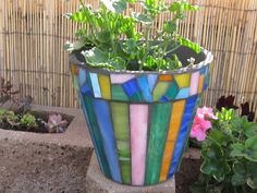Mosaic Flower Pot – Stripes - All About Mosaic Planters, Mosaic Vase, Mosaic Flower Pots, Glass Planter, Mosaic Tiles, Garden Mosaics, Pebble Mosaic, Flower Vases, Mosaic Crafts