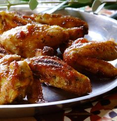 Make perfect chicken wings with KNORR Cook-in-Bag. The roasting bag locks in all the flavour, ensuring deliciously sticky chicken wings. KNORR Cook-in-Bags are the simplest way to make juicy chicken wings with ease. Quick Easy Meals, Easy Dinner Recipes, Easy Recipes, Sticky Chicken Wings, Creamy Coleslaw, Chicken Wing Recipes, Savory Snacks, Soul Food, Cooking Recipes