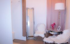 The prettiest boutique in town. Changing Room, Coffee Corner, Pink Flamingos, Blush Pink, Oversized Mirror, Faux Fur, Boutique, Interior, Pretty
