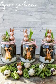 Frühlingsdeko aus alten Gläsern mit Blumenzwiebeln und Holzhasen #deko #Ostern #osterdeko #plotter #plotterliebe #Osterhase #diy #Selbermachen #doityourself #frühlingsdeko