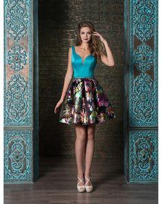 Koktejlové šaty na ramienka s kvetovanou sukňou. 030012fdc71