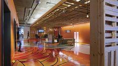 Ad Hoc Office   Modern Luxury  -Pallet DIY Awesomeness!-