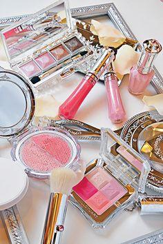 Jill Stuart Cosmetics........ WANT these