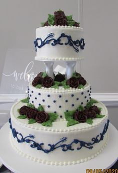 White butterceam cake with columns and navy dots and vines and dark burgundy roses Traditional Wedding Cakes, Columns, Vines, Burgundy, Dots, Navy, Desserts, Stitches, Hale Navy