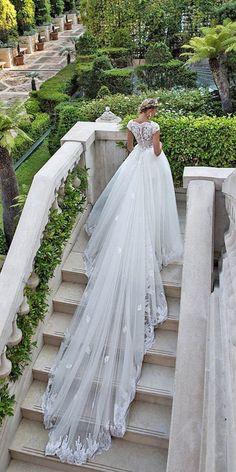 Alessandra Rinaudo Wedding Dresses 2017 / www.deerpearlflow...
