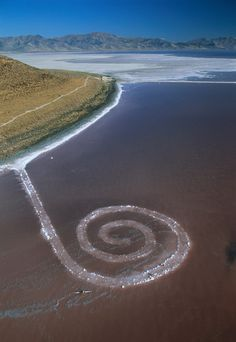 "Robert Smithson: ""Spiral Jetty"", 1970, Utah, USA, September 2002 (© George Steinmetz/Corbis)"