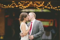 Photography: Happy Confetti Photography - www.happyconfettiphotography.com  Read More: http://www.stylemepretty.com/2014/08/06/modern-rustic-colorado-wedding-at-planet-bluegrass/