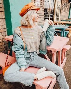 Vintage fashion and vintage outfits is a trend that individuals have been remembering in the century. Here are 22 of our favorite vintage outfits! Vintage Hipster Outfits, Hipster Fashion, Urban Fashion, Fashion Vintage, 90s Fashion, Hipster Style, Fashion Clothes, Hipster Girl Outfits, Trendy Fashion