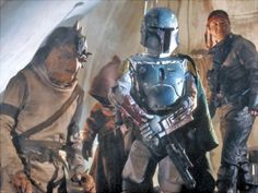 Jeremy Bulloch as Boba Fett behind the scenes in Episode VI - Return of the Jedi Star Wars Film, Star Wars 1313, Star Wars Poster, Star Wars Art, Star Trek, Images Star Wars, Star Wars Pictures, Harrison Ford, Chasseur De Primes
