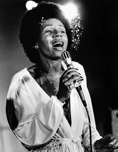 News Photo : Minnie Riperton performs on a TV show, USA, Soul Singers, Female Singers, Minnie Riperton, Beyonce Beyhive, Foxy Brown, Black Royalty, Vintage Black Glamour, Old School Music, Music Pics