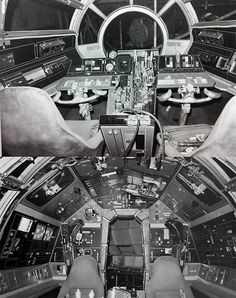 Great original set photos of the Millennium Falcon cockpit. Leia Star Wars, Star Wars Set, Star Wars Girls, Star Wars Ships, Star Trek, Nave Star Wars, Star Wars Spaceships, Spaceship Interior, Star Wars Models