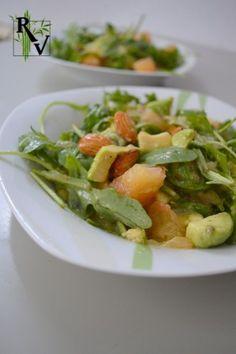 Salade fraicheur! Salade Roquette, Pamplemousse & Avocat Meat, Chicken, Nature, Food, Style, Vegetarische Rezepte, Salads, Rocket Salad, Rest
