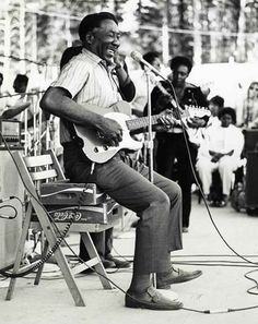 """McKinley Morganfield (April – April known as Muddy Waters, was an American blues musician. He is considered the """"father of modern Chicago blues"""" and was a major inspiration for the British blues explosion of the Rhythm And Blues, Jazz Blues, Blues Music, Blues Rock, Recital, Mississippi, El Rock And Roll, Delta Blues, Muddy Waters"""