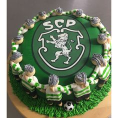 Bolo do Sporting Bolo Sporting, Sports Themed Cakes, Birthday Cakes, Animal, Desserts, Food, Birthday Cakes For Men, Lion Photography, Snood