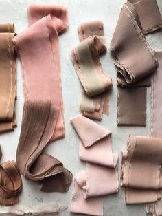 65 new ideas nature wedding dress shades Colour Schemes, Color Combos, Color Patterns, Bridal Bouquet Pink, Home Decoracion, Wie Macht Man, Textiles, Color Stories, Color Pallets