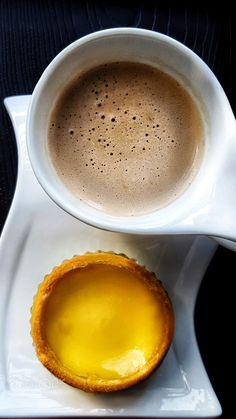 Yellow by Foto_Gear Need Coffee, Coffee Break, Italy Coffee, Corner Cafe, Cafe Food, Coffee Drinks, Drinking Coffee, Latte, Bakery