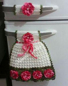 Pegador de geladeira feito com linha Anne...Flores diversas..