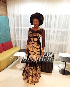 An is a wedding guest {bella} looking stunning in aso-ebi – the fabric/colours of the day, at a traditional engagement or wedding. How To - BellaNaija Weddings. May 2020 African Inspired Fashion, African Print Fashion, Ankara Fashion, African Prints, African Lace Dresses, African Wedding Dress, Wedding Dresses, Nigerian Outfits, Nigerian Bride