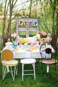 Party Bunting | Peep Decor | Outdoor Dining | Easter Holiday | Photo Shoot | Kid Portraits | Photography Ideas