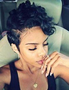 Kurze Frisuren für Schwarze Frauen Überprüfen Sie mehr auf http://trendfrisurende.info/52000/kurze-frisuren-fuer-schwarze-frauen/