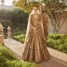 Sabyasachi lehengas feature breath-taking designs, traditional craftsmanship & an eye for extreme detailing. Check out this vast collection of Sabyasachi lehenga images. Sabyasachi Lehenga Bridal, Red Lehenga, Lehenga Choli, Indian Bridal Outfits, Indian Dresses, Bridal Dresses, Wedding Outfits, Sabyasachi Bridal Collection, Couple Wedding Dress