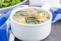 This Creamy Mushroom and Spinach Tortellini Soup is made in one pot and ready in just 30 minutes! Creamy Mushrooms, Stuffed Mushrooms, Stuffed Peppers, Spinach Tortellini Soup, Soup Recipes, Dinner Recipes, Food Therapy, Tasty Kitchen, Recipe Images