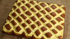 Schneller Steppdeckenkuchen - Polsterkuchen/ Brzi kolač koji podsjeća na jorgan - Hanuma kocht - Der zweisprachige Foodblog Waffles, Pie, Breakfast, Desserts, Food, Small Cake, Buttercream Recipe, Sheet Cakes, Just Bake