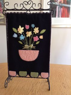 Spring Flowers Retreat Ideas, Spring Flowers, Banner, Sewing, Picture Banner, Costura, Couture, Banners, Fabric Sewing