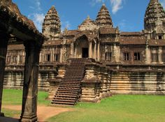 Best holiday destinations for history buffs. #holidaydestinations