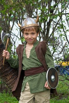 Homemade Hiccup Costume: How to Train Your Dragon Halloween Dress, Halloween Kids, Vintage Halloween, Halloween Costumes, Vintage Witch, Halloween Stuff, Halloween Halloween, Halloween Makeup, Kids Viking Costume