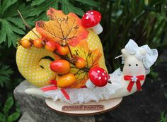 Strawberry, Christmas Ornaments, Fruit, Holiday Decor, Food, Christmas Jewelry, Essen, Strawberry Fruit, Meals