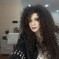 Layered Curly Hair, Long Curly Hair, Big Hair, Curly Hair Styles, Curly Perm, Perm Hair, Long Hair Models, Spiral Curls, Big Curls