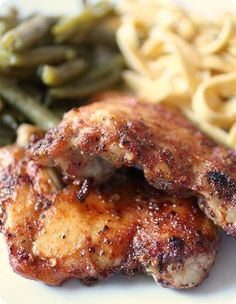 Spicy Honey Glazed Chicken: This was delicious; honey spiced glazed chicken thighs cooked under the broiler. It's sweet, spicy and oh so good! Crock Pot Recipes, Slow Cooker Recipes, Cooking Recipes, Healthy Recipes, Protein Recipes, Snack Recipes, Crockpot Meals, Healthy Dinners, Turkey Recipes