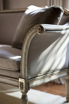 Bergamo Settee detail by @ebanistacollect from Collection Ten by Ebanista. Discover more at www.ebanista.com #LivingRoom #Settee