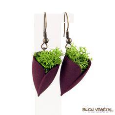 Boucles d'oreille tulipe prune avec lichen - bijou créateur, bijoux fait main, bijoux créateur, bijou fait main, bijou femme, bijoux femme, bijou vegetal, bijou végétal, bijoux végétaux, bijoux vegetaux