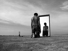 MEDITacción Aquellos que no aprenden nada de los hechos desagradables de sus vidas, fuerzan a la conciencia cósmica a que los reproduzca tantas veces como sea necesario, para aprender lo que enseña el drama de lo sucedido. Lo que niegas te somete, lo que aceptas te transforma.  Carl G. Jung